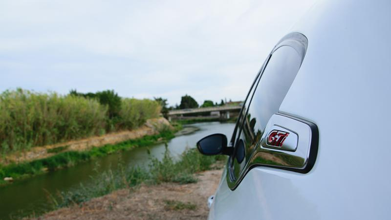 Cliquez sur l'image pour l'afficher en taille normale  Nom : Peugeot208gti_1024_04.jpg Affichages : 27 Taille : 38.3 Ko ID : 3909