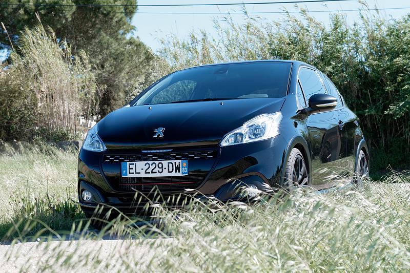 Cliquez sur l'image pour l'afficher en taille normale  Nom : Peugeot208GTI_BPS_01.jpg Affichages : 210 Taille : 100.6 Ko ID : 7148