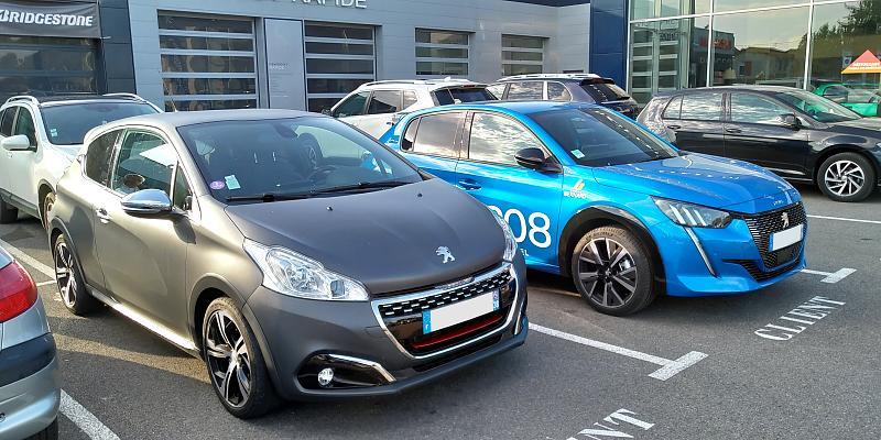 Cliquez sur l'image pour l'afficher en taille normale  Nom : Peugeot 208 GTi (2015) & 208 GTline (2019) (1).jpg Affichages : 79 Taille : 104.6 Ko ID : 15712