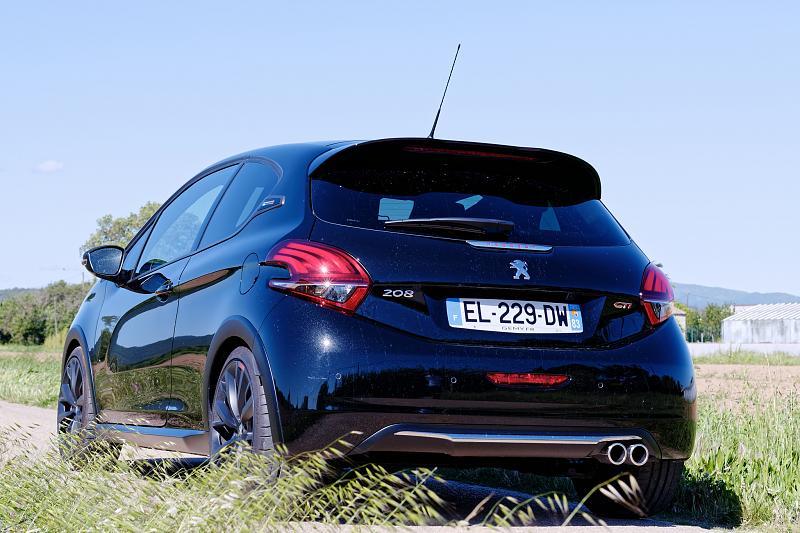 Cliquez sur l'image pour l'afficher en taille normale  Nom : Peugeot208GTI_BPS_03.jpg Affichages : 77 Taille : 93.9 Ko ID : 7139